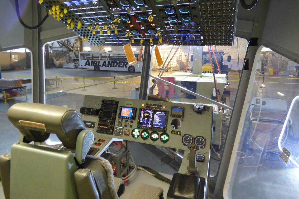 Flight_deck_of_the_airlander